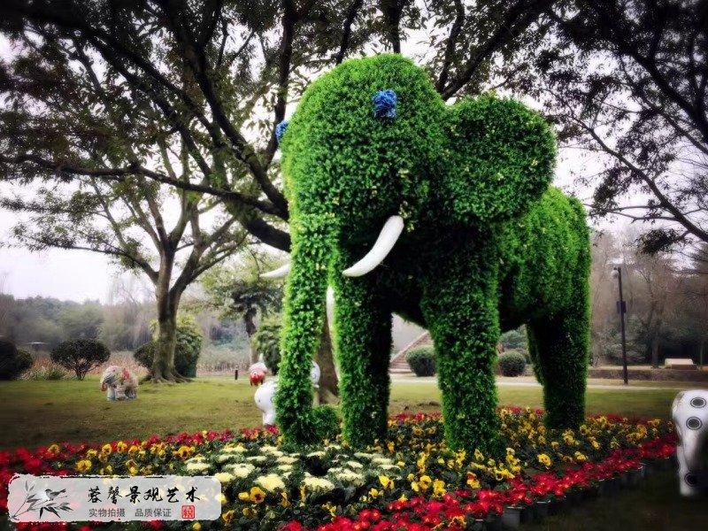 大象仿真绿雕制作